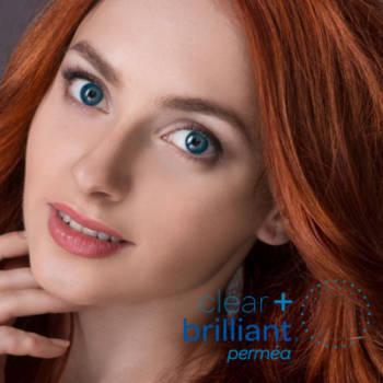Clear + Brilliant ayuda a prevenir los signos visibles del envejecimiento y trata los efectos que el tiempo y las condiciones ambientales pueden tener en su piel.